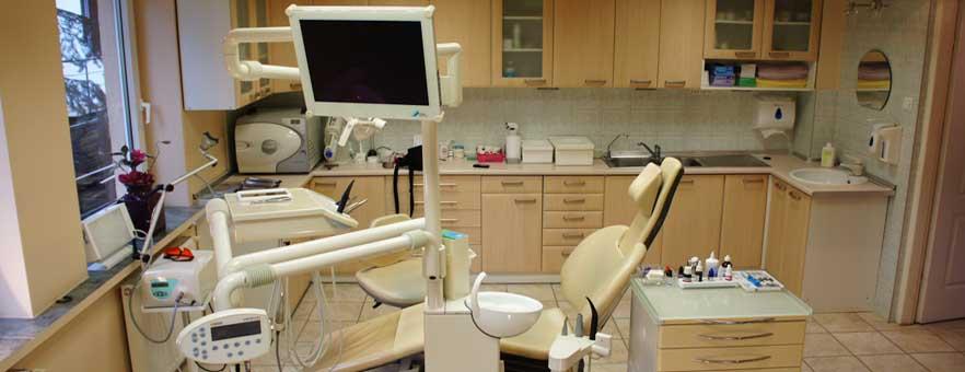 Zakładanie implantów we Wrocławiu - tanio implanty Wrocław dobre. Zakładanie implanta zamiast zęba.
